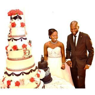 Couple-with-Cake
